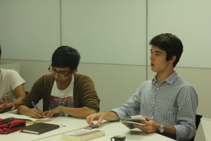 Yale-NUS sophomores in discussion during a short course